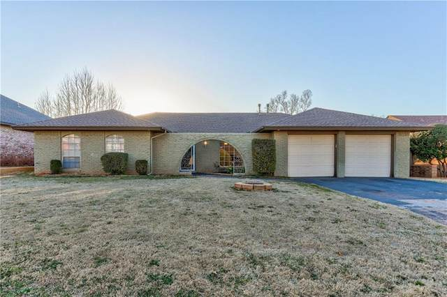 11609 N Ross Avenue, Oklahoma City, OK 73120 (MLS #903097) :: Homestead & Co