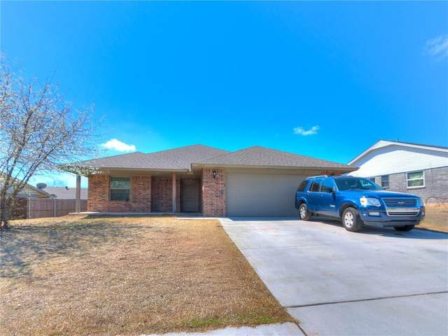 609 Cottonwood Drive, Moore, OK 73160 (MLS #903657) :: Homestead & Co