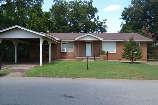 705 W Texas Street, Anadarko, OK 73005 (MLS #903698) :: Homestead & Co