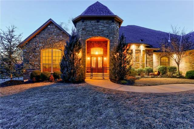 9017 Paseo Del Vita, Oklahoma City, OK 73131 (MLS #903712) :: Homestead & Co