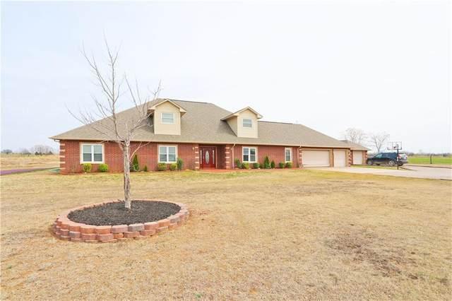 810 Cottonwood Road, Chickasha, OK 73018 (MLS #903743) :: Homestead & Co