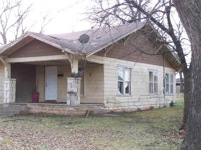 302 S Taylor Street, Wynnewood, OK 73098 (MLS #903796) :: Homestead & Co