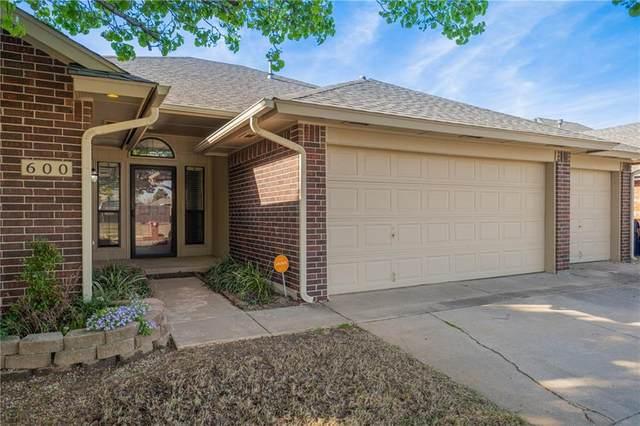 600 SW 153rd Street, Oklahoma City, OK 73170 (MLS #904108) :: Homestead & Co