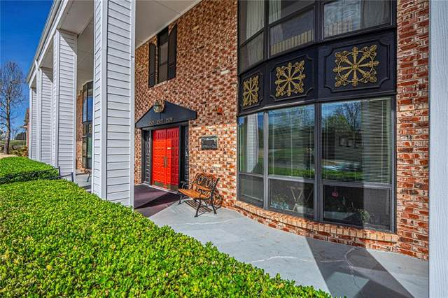 2525 NW 62nd Street #203, Oklahoma City, OK 73112 (MLS #904295) :: Homestead & Co