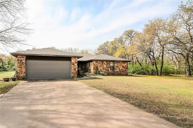17330 Mary Ennis Circle, Choctaw, OK 73020 (MLS #904494) :: Homestead & Co
