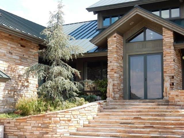 1 Hellava Drive, Medicine Park, OK 73557 (MLS #904573) :: Homestead & Co