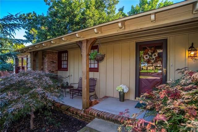 2500 NW 56th Street, Oklahoma City, OK 73112 (MLS #904974) :: Homestead & Co