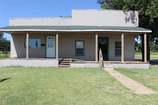 1129 N Louis Tittle Street, Mangum, OK 73554 (MLS #905162) :: Erhardt Group at Keller Williams Mulinix OKC