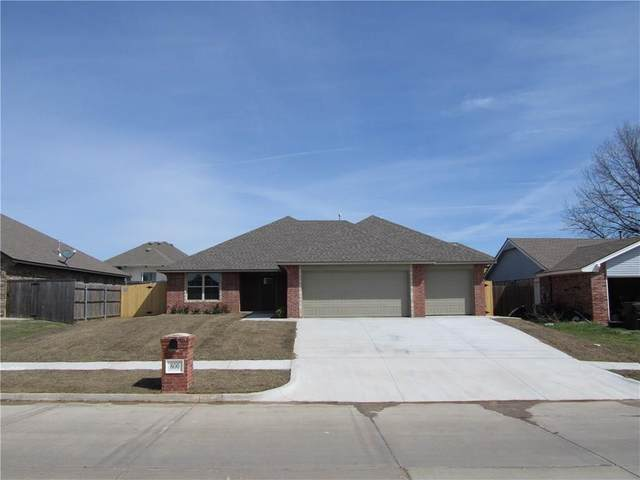 800 S Avery Street, Moore, OK 73160 (MLS #905301) :: Homestead & Co