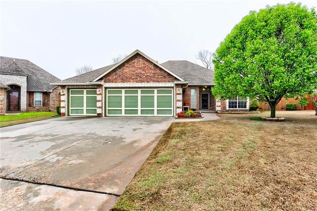 3209 SE 31st Court, Moore, OK 73165 (MLS #905475) :: Homestead & Co