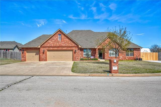 917 NW Lincoln Avenue, Piedmont, OK 73078 (MLS #905606) :: Homestead & Co