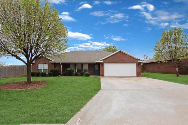1502 W Debbie Drive, Elk City, OK 73644 (MLS #905701) :: Homestead & Co