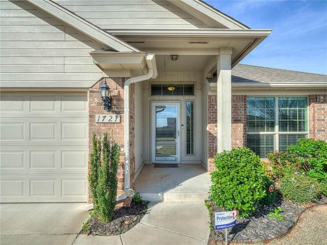 1721 S Choctaw Wood Drive, Choctaw, OK 73020 (MLS #905719) :: Homestead & Co