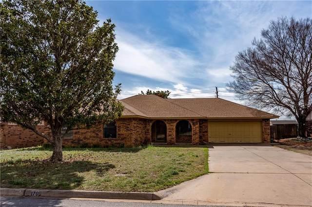 1700 Ridgeway, Weatherford, OK 73096 (MLS #905782) :: Homestead & Co