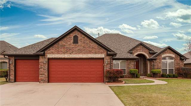 2117 SW 30th Street, Moore, OK 73170 (MLS #906067) :: Homestead & Co