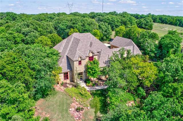 11552 Winding Lake Drive, Edmond, OK 73007 (MLS #906089) :: Homestead & Co