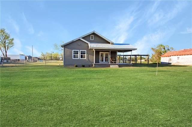 325 E 2nd Street, Erick, OK 73645 (MLS #906171) :: Homestead & Co