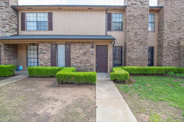 850 Two Forty Place Place, Oklahoma City, OK 73109 (MLS #906267) :: Erhardt Group at Keller Williams Mulinix OKC