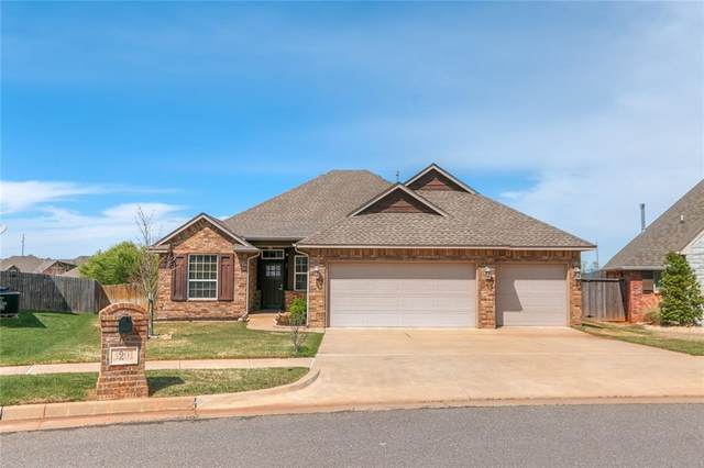 3201 NW 188th Terrace, Edmond, OK 73012 (MLS #906356) :: Homestead & Co