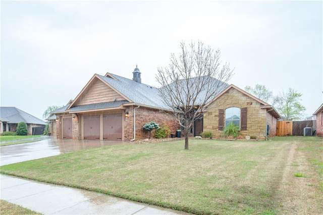 2621 SE 10th Street, Moore, OK 73160 (MLS #906365) :: Erhardt Group at Keller Williams Mulinix OKC