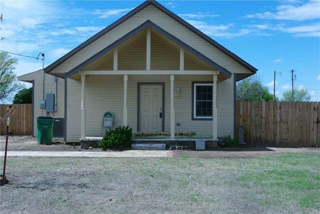131 Grand Avenue, Martha, OK 73556 (MLS #906382) :: Homestead & Co