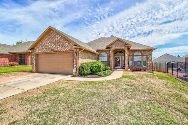 920 Oak Creek Drive, Moore, OK 73160 (MLS #906755) :: Homestead & Co