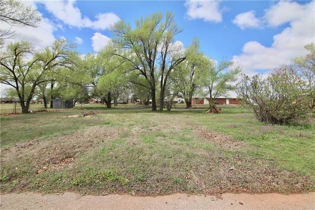 515 S State Avenue, Elk City, OK 73644 (MLS #906800) :: Homestead & Co