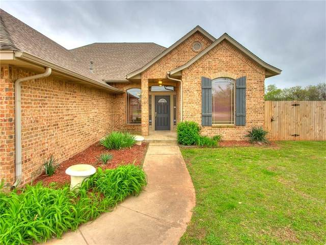 3108 SE 30th Court, Moore, OK 73165 (MLS #906902) :: Homestead & Co