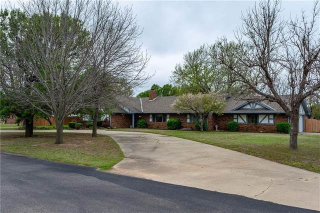 210 Terrace Drive, Watonga, OK 73772 (MLS #906959) :: Homestead & Co