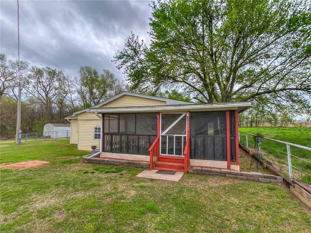 2001 Fox Lane, Tuttle, OK 73089 (MLS #907022) :: Homestead & Co