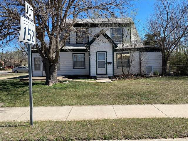 205 S Glenn L English Street, Cordell, OK 73632 (MLS #907037) :: Homestead & Co