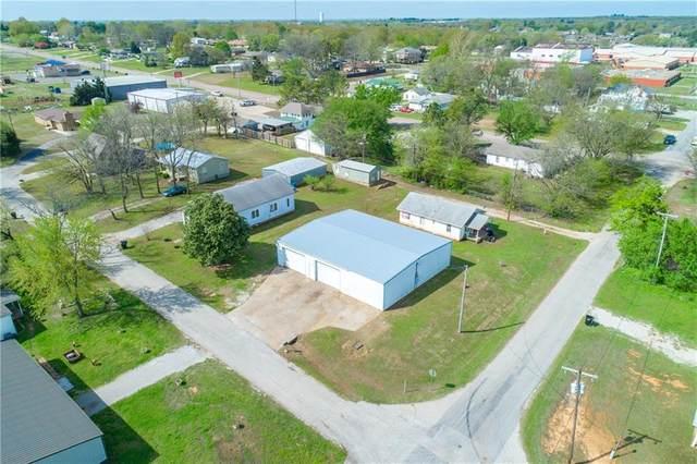 209 S 2nd Street, McLoud, OK 74851 (MLS #907196) :: Erhardt Group at Keller Williams Mulinix OKC
