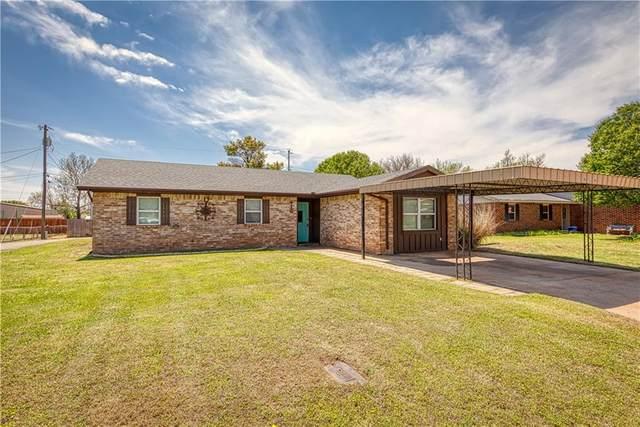 416 Hoover Circle, Elk City, OK 73644 (MLS #908290) :: Homestead & Co