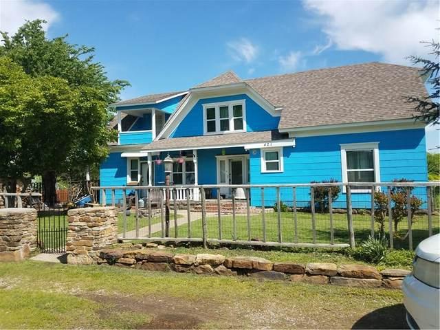 421 S 3rd Street, Okemah, OK 74859 (MLS #908526) :: Homestead & Co