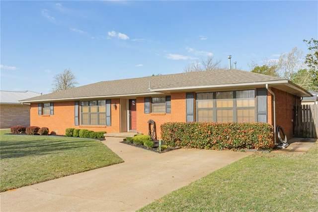 413 N Nevada Avenue, Weatherford, OK 73096 (MLS #908815) :: Homestead & Co