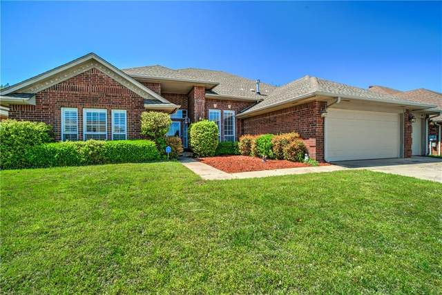49 S Lexington Way, Edmond, OK 73012 (MLS #909065) :: Homestead & Co