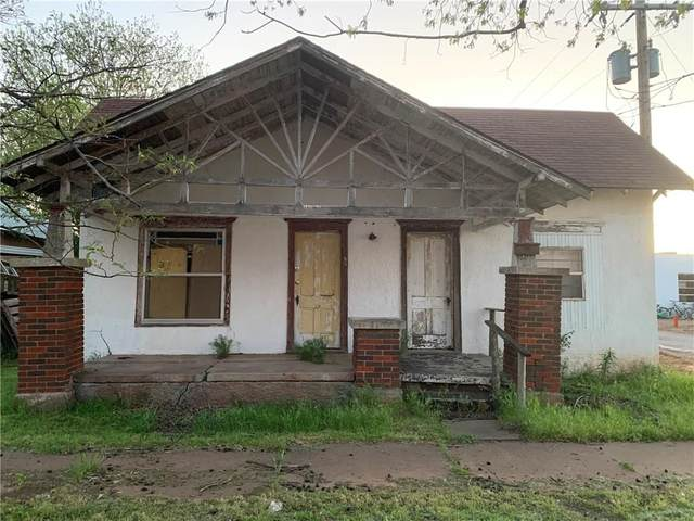 112 S Linwood Street, Cordell, OK 73632 (MLS #909331) :: ClearPoint Realty