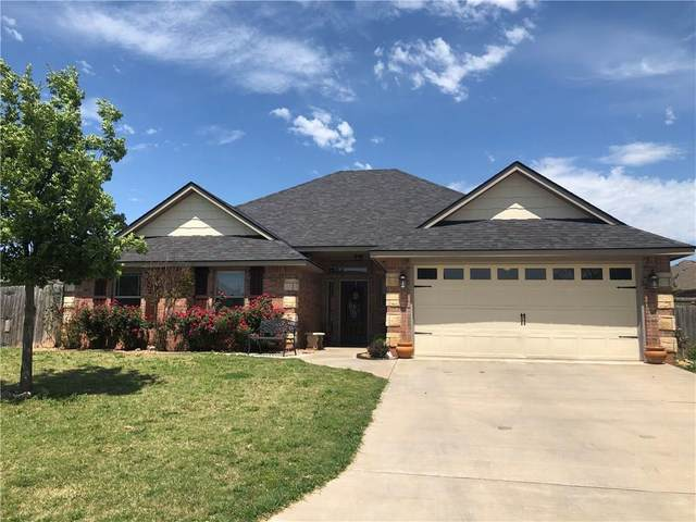 1308 Saddle Rock Drive, Elgin, OK 73538 (MLS #909872) :: Erhardt Group at Keller Williams Mulinix OKC