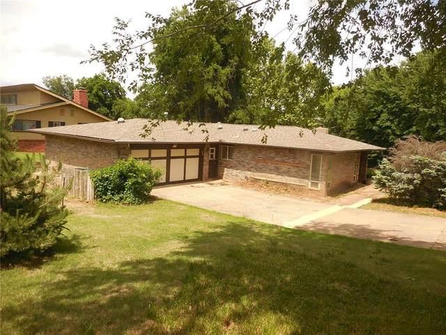 9800 Harbor Drive, Oklahoma City, OK 73162 (MLS #910187) :: Homestead & Co