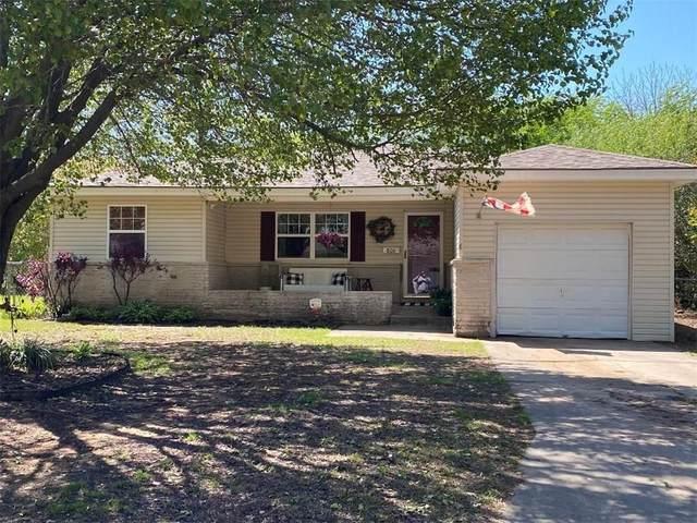 806 N Kimberly Street, Tecumseh, OK 74873 (MLS #910426) :: Homestead & Co
