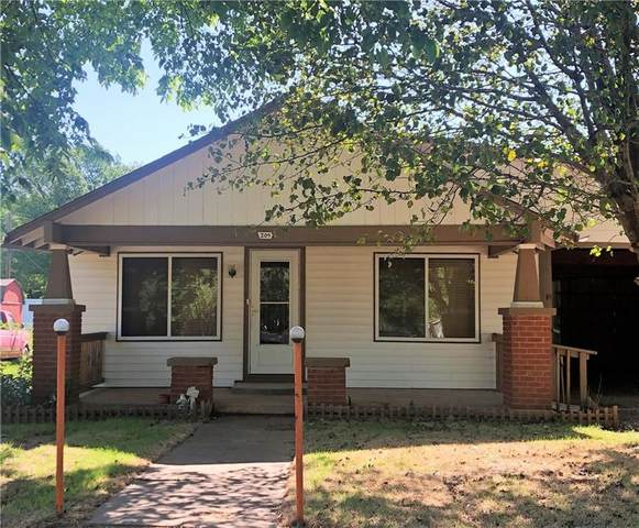 304 S Oak Street, Crescent, OK 73028 (MLS #911171) :: Homestead & Co