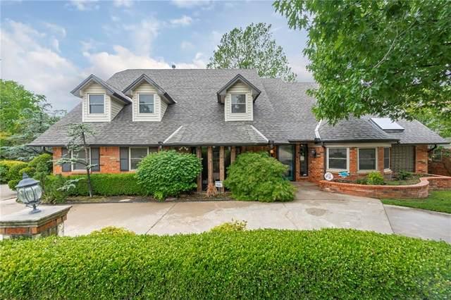 11213 Greenbriar Chase, Oklahoma City, OK 73170 (MLS #911348) :: Homestead & Co