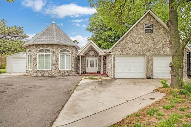 1403 N Randall Avenue, Elk City, OK 73644 (MLS #911420) :: Homestead & Co