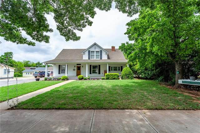 701 N Custer Street, Weatherford, OK 73096 (MLS #911893) :: Your H.O.M.E. Team