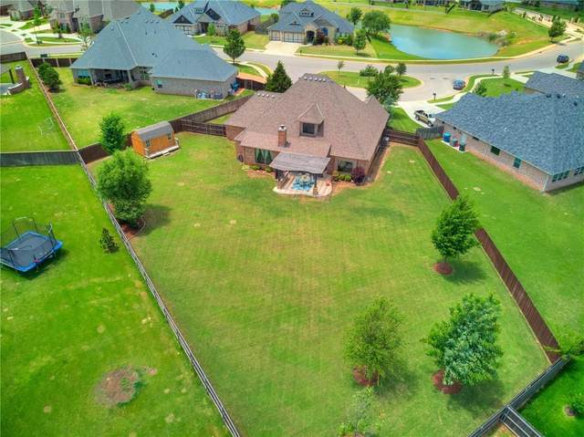 425 Newport Bridge Drive, Edmond, OK 73034 (MLS #912060) :: Homestead & Co