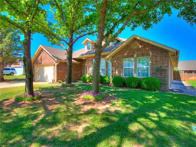 1209 Pine Forest, Edmond, OK 73012 (MLS #912111) :: Homestead & Co