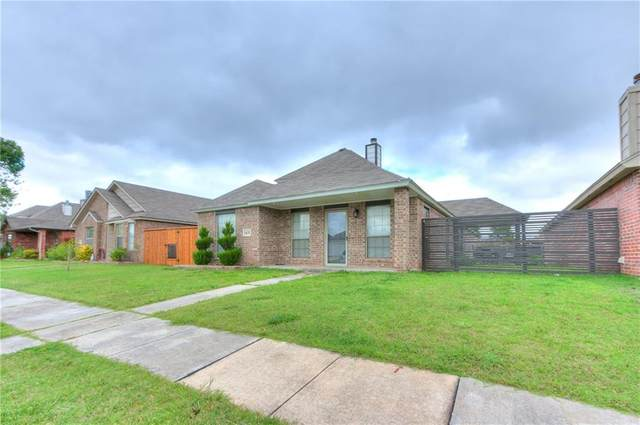 1405 SW 24th Street, Moore, OK 73170 (MLS #913186) :: Homestead & Co