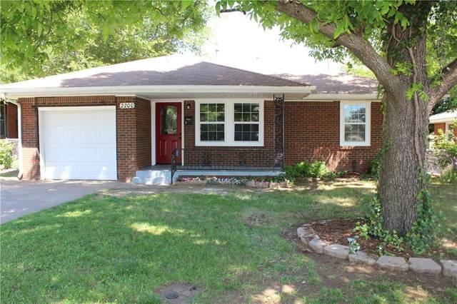 2200 Maple Drive, Midwest City, OK 73110 (MLS #913674) :: Keri Gray Homes