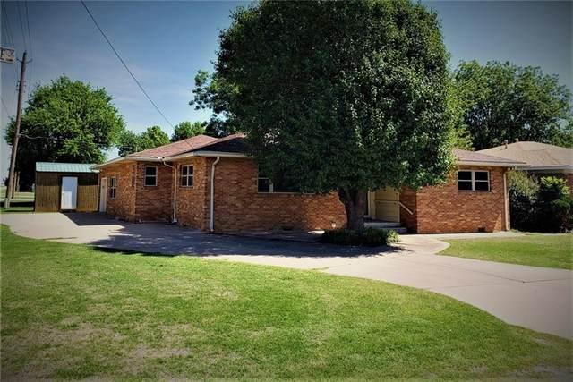 429 W Monroe Street, Mangum, OK 73554 (MLS #913765) :: Keri Gray Homes