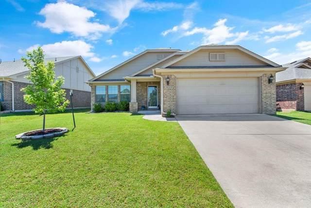 18609 Ochoa Drive, Edmond, OK 73012 (MLS #913861) :: Keri Gray Homes